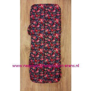 Breitas donkerblauw met rose/rode bloemen / 010848