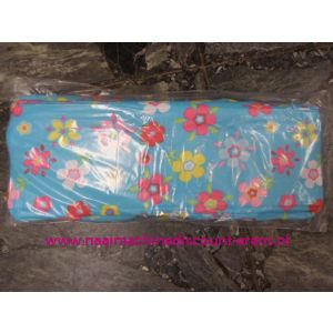 Breitas licht blauw met gekleurde bloemen diverse grootes / 006385